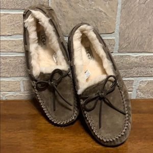 Ugg Dakota slippers in size 7